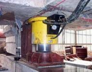 薄型液压千斤顶用于油田